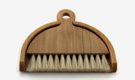 iris-table-brush-and-dustpan_2
